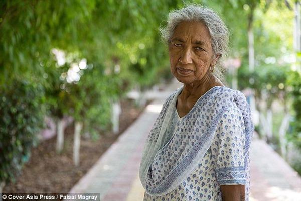 Она родила, когда ей было 72. И только спустя год обнаружились последствия поздних родов…