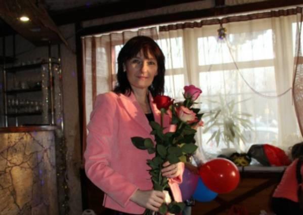 Мать оставила годовалую дочь в доме совершенно одну. 10 лет спустя она возвращается и видит…
