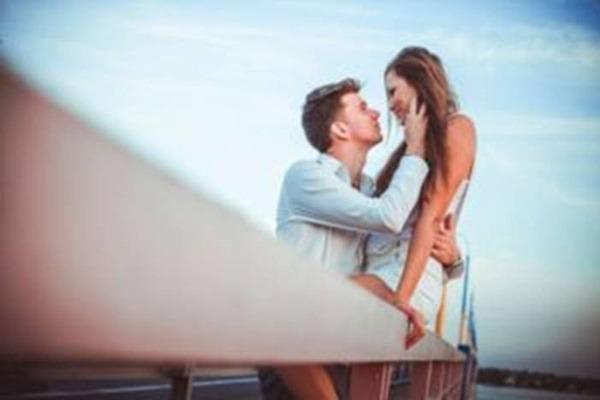 Доказано учеными: все мужчины влюбляются в ту женщину, которая обладает этой чертой