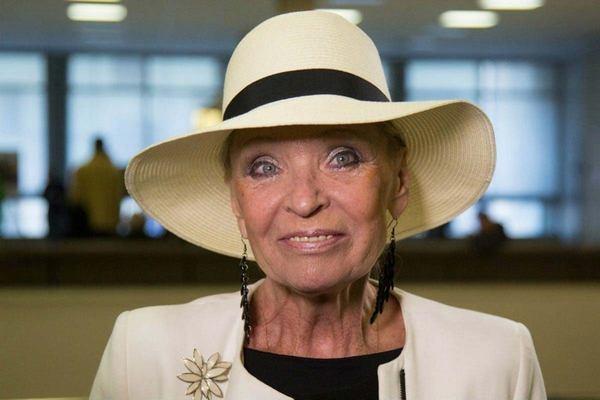 Какой красоткой она была! 77-летняя Светлана Светличная восхитила публику своими новыми фото!