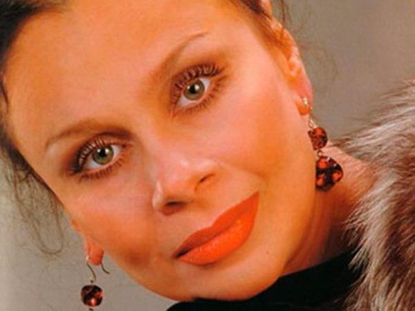 Памяти Любови Полищук: 20 фотографий яркой актрисы и красивой женщины