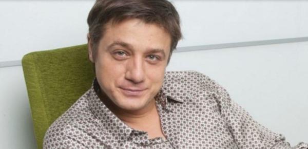 Помните этого актера? Я даже и не знала, что он сын Любови Полищук!