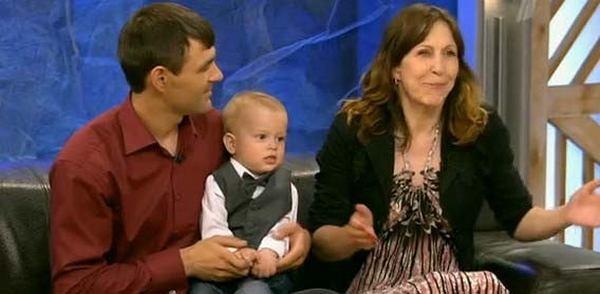 Муж бросил семью, увидев лицо новорожденной дочери. Она удивила всех, когда выросла!
