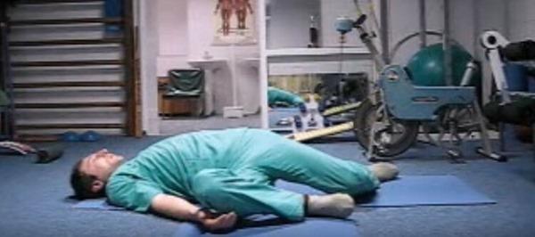Хирург отговорил дядю от операции, посоветовав делать вот такие упражнения. Результат через полгода!