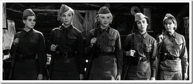За кадром кинокартины «А зори здесь тихие…»: Вот как сложились судьбы актрис, исполнивших главные роли