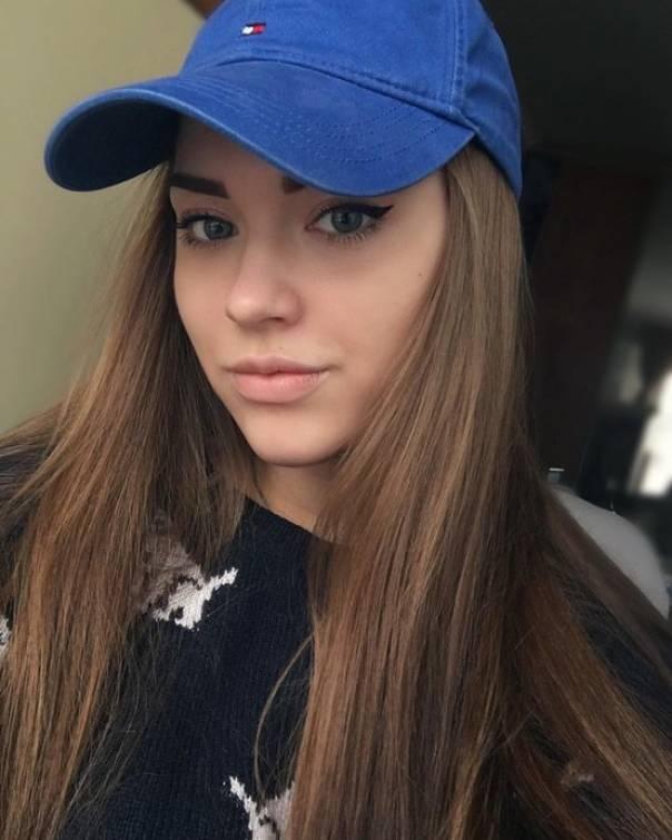 Никому не известная внучка Владимира Высоцкого успела вырасти настоящей красавицей