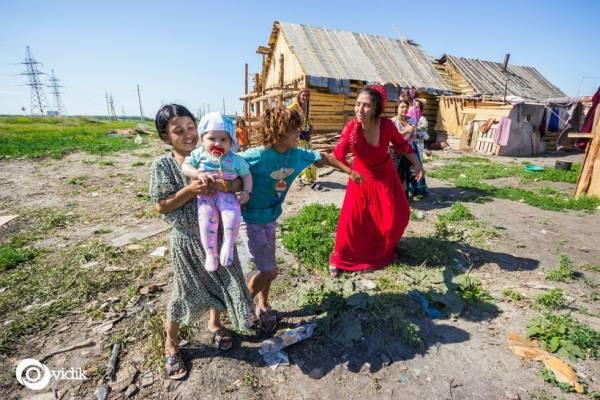 Свадьба в 14 лет и брачная ночь без жениха: дикие факты о жизни цыган