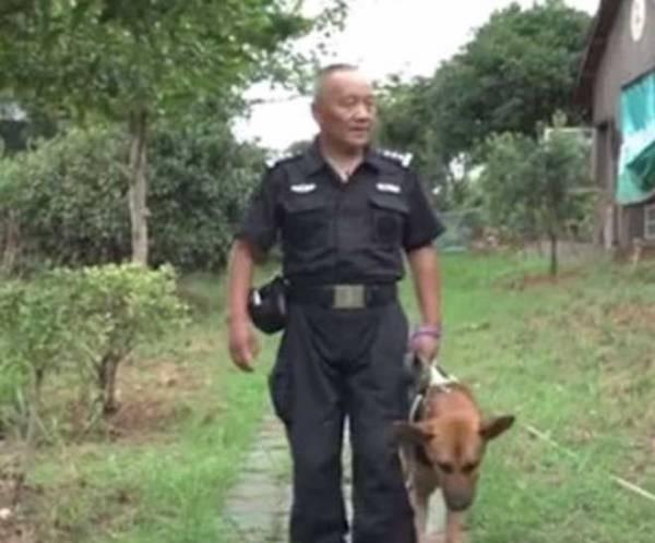 Врачи предложили усыпить его служебную собаку и тогда он решил изменить жизнь всех псов на пенсии