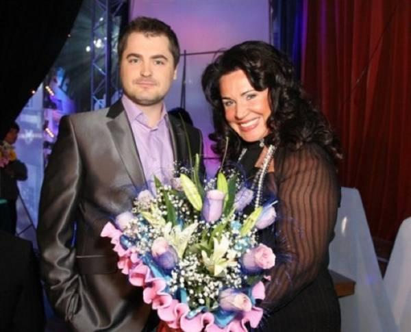 Надежда Бабкина объяснила, почему не хочет регистрировать отношения с молодым возлюбленным