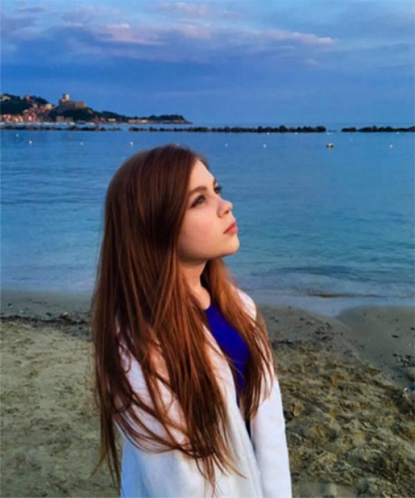 Юная модель: на новых снимках дочь Олега Газманова выглядит совсем взрослой