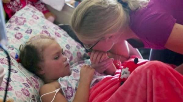Это был конец: девочку отключили от аппаратов, которые поддерживали ее жизнь. Родители прощались с малышкой и вдруг, дочь открыла глаза!