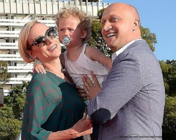 Поклонники поздравляют счастливую Елену Исинбаеву с благополучным рождением второго ребенка