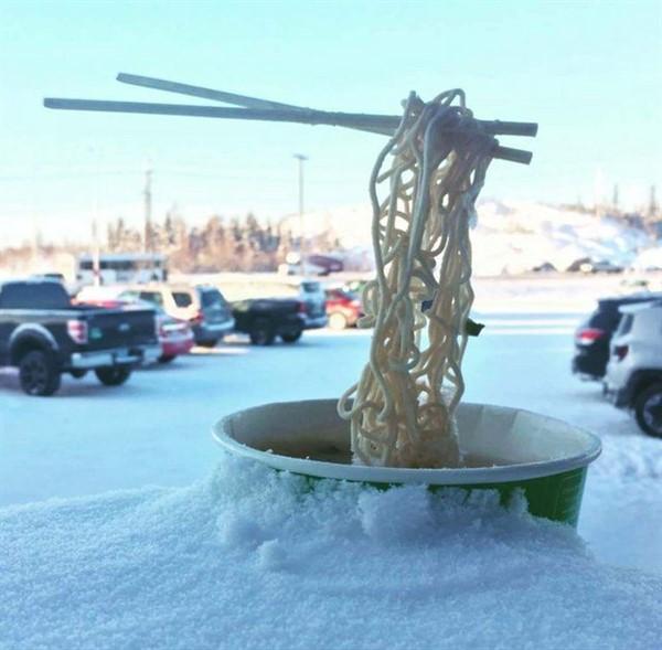Увидев эти фотографии, я поняла, что ещё не видела настоящей зимы! А Вы, подобное видели? (22 фото)
