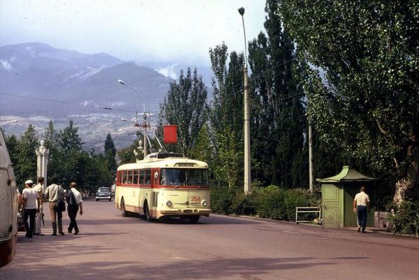 А Вы ездили из Симферополя в Ялту на троллейбусе? Когда-то самая длинная в мире междугородняя троллейбусная линия…
