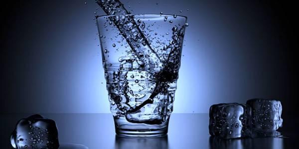 Если вы будете пить воду натощак после пробуждения, с вашим телом произойдет 8 чудес