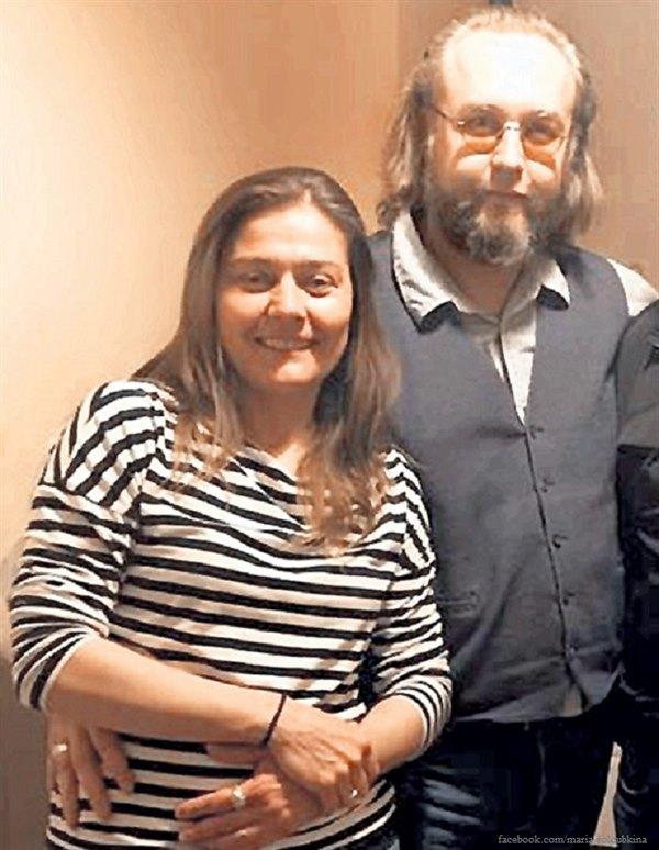 Дочь Андрея Миронова проводит романтические вечера с сыном легендарного Шерлока Холмса