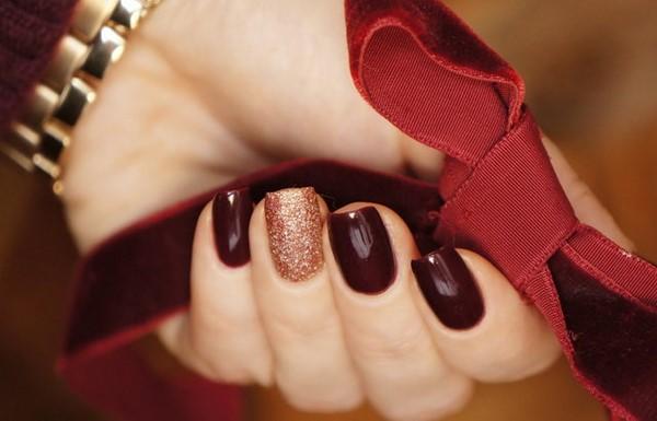 Прекрасный «винный» маникюр — идеи для стильного образа