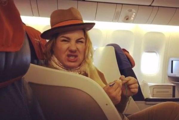 Ева Польна удивила фанатов слишком смелыми селфи крупным планом без грамма макияжа
