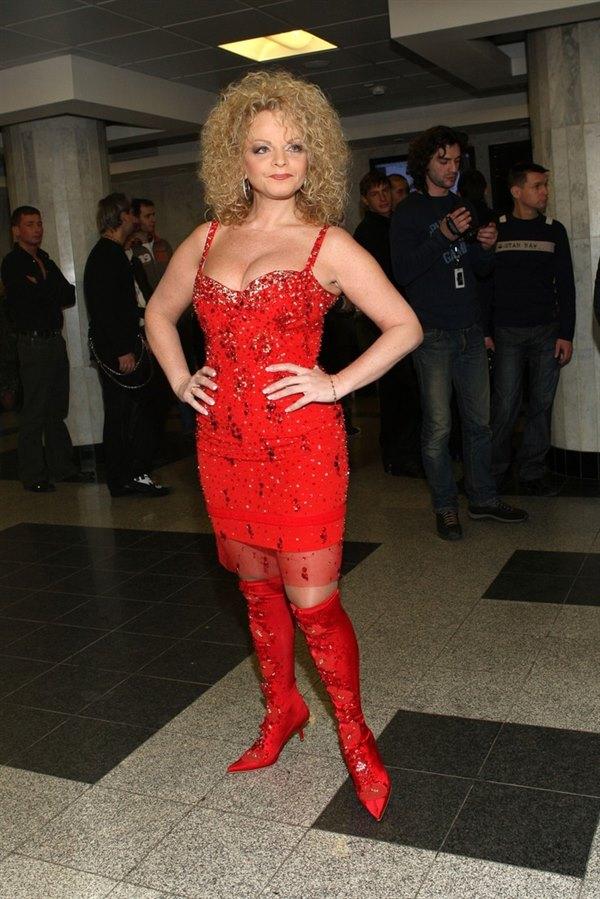 Лариса Долина поразила шикарной фигурой в обтягивающем платье
