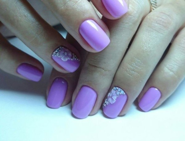 Сочные весенние идеи маникюра в фиолетовых оттенках, для яркого и стильного образа