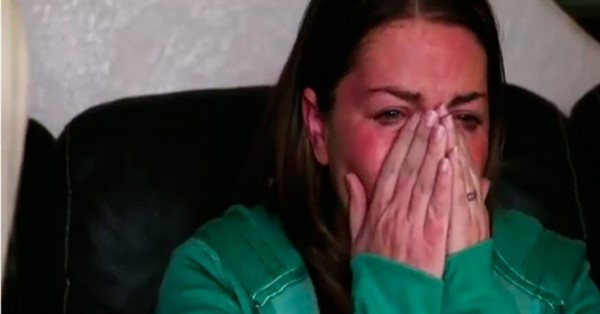Эта пара решила забрать к себе 3-х детей умирающей соседки. Однажды они пришли домой, а их нет!