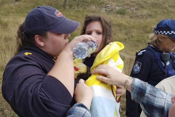 Пропавшую девочку 17 часов охранял старый слепой пес