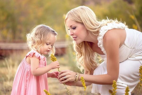 """""""Мама с дочкой..."""" Стихотворение, которое должна прочитать каждая дочь!"""