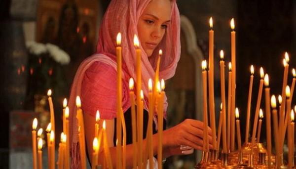Как ставить свечи в церкви: за себя, родных и близких!